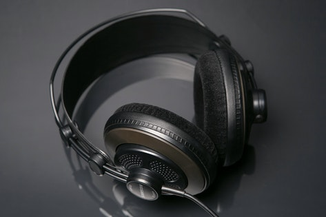 cymatics-best studio headphones-sr850