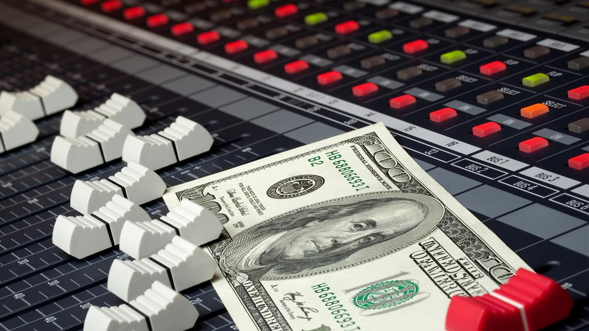 7 Effective Ways To Make Money as a Music Producer